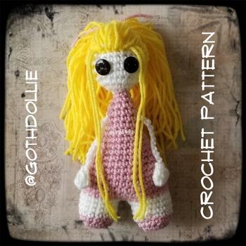PATTERN: Amigurumi Bootyful doll by GothDollie
