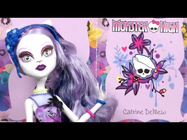 Monster High Gloom and Bloom Catrine DeMew from Mattel
