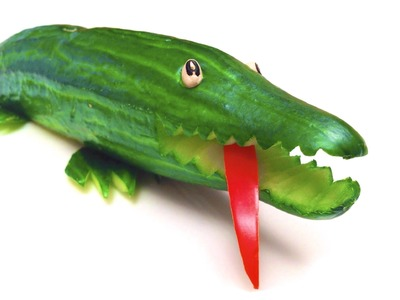 DIY: How To Make a Cucumber Crocodile (HD)