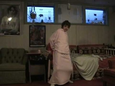 How to Make Your Own Snuggie! (Snuggie Parody)