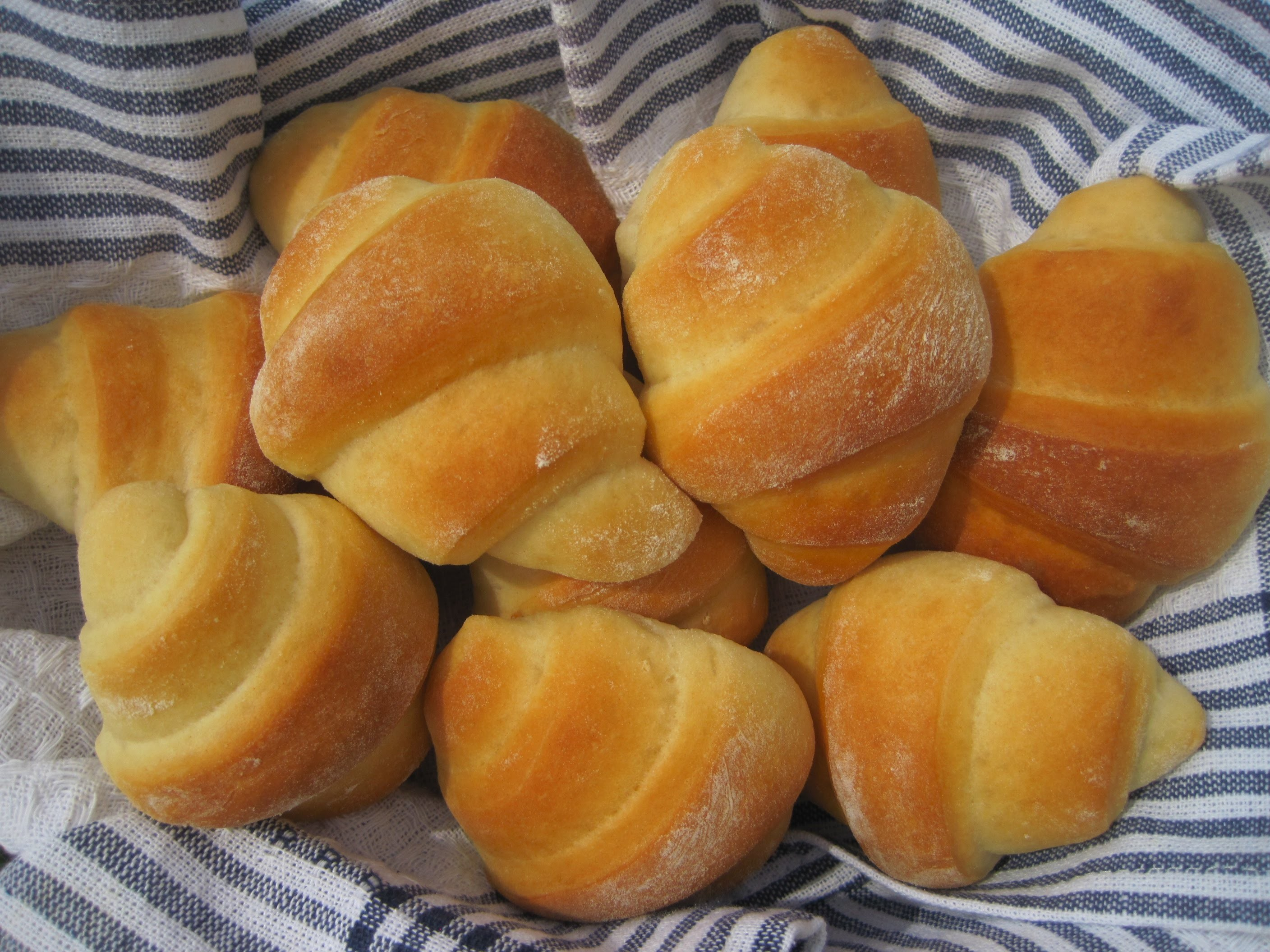 Christmas Day HOMEMADE CRESCENT ROLLS - How to make CRESCENT ROLLS Recipe