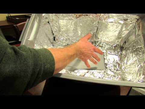 How to Build a Cheap Grow-Light Box for Seed Starting - The Rusted Garden 2014