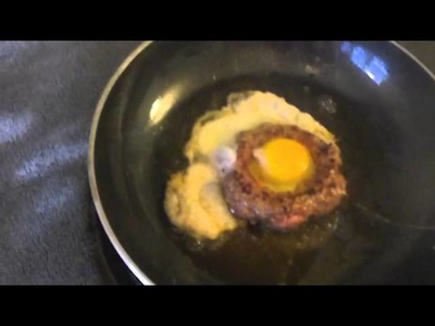 How to Make the Best Burger: Fry an Egg in a Burger