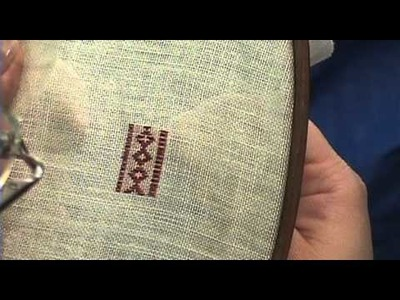 Mistress Briony's top 10 SCA appropriate stitches. #10 Pattern Darning.