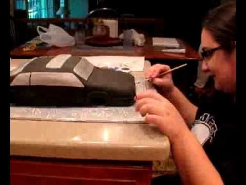 How to Make a Fondant Car Cake