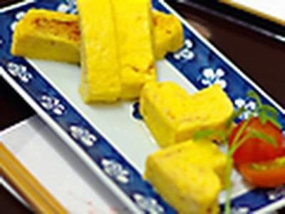 """How to make Japanese-style rolled omelet """"tamagoyaki""""(English subtitle)"""