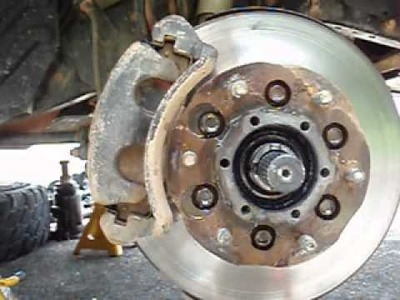 How to Service 4x4 Hub Bearing.Brake Rotor.Pads- Isuzu.Nissan Front Independent  Suspension - Pt 1.3
