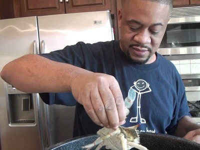 HOW TO STEAM CRABS
