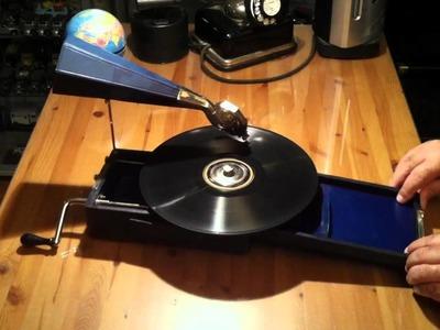 Le MIGNONPHONE - 1920 - Paris - France - Small Art-Deco gramophone - Christian Fonck - Geneva - CH
