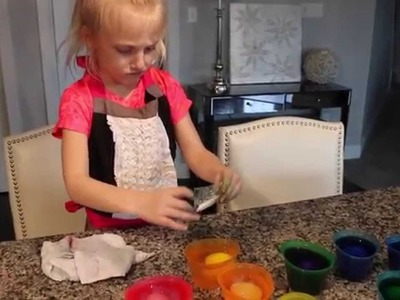 Coloring Easter Eggs Clara Style (with glitter)