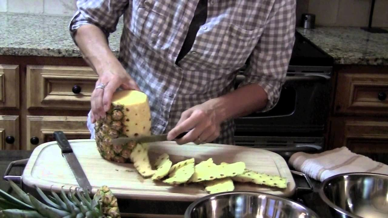 "How To Cut A Pineapple ""Yummy"""