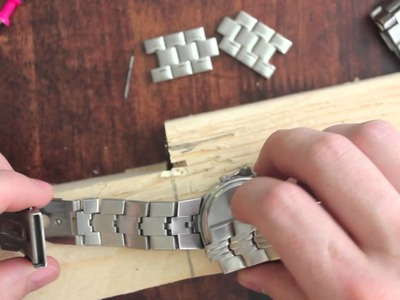 How to Resize. Adjust a Watch Band