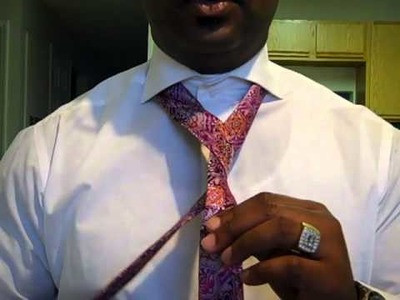 How to tie the Half Windsor Knot