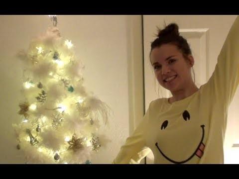 Vlogmas 11, 2011 - Decorating My Christmas Tree!!!