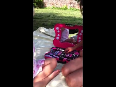 Hello kitty vanity case review by bailey for Toysrus