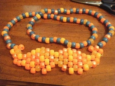How to make a kandi mustache - [www.gingercande.com]