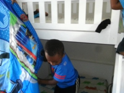 HOW CREATIVE! Thomas and Friends Blanket Turns Into HOMEMADE TENT