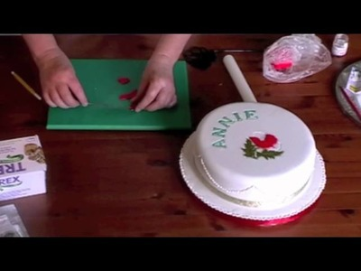 10 Minute Tutorial - How to use a range of Patchwork Cutters in Cake Decorating. Part 2