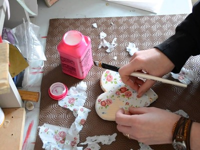 How to decoupage a wooden heart with napkins
