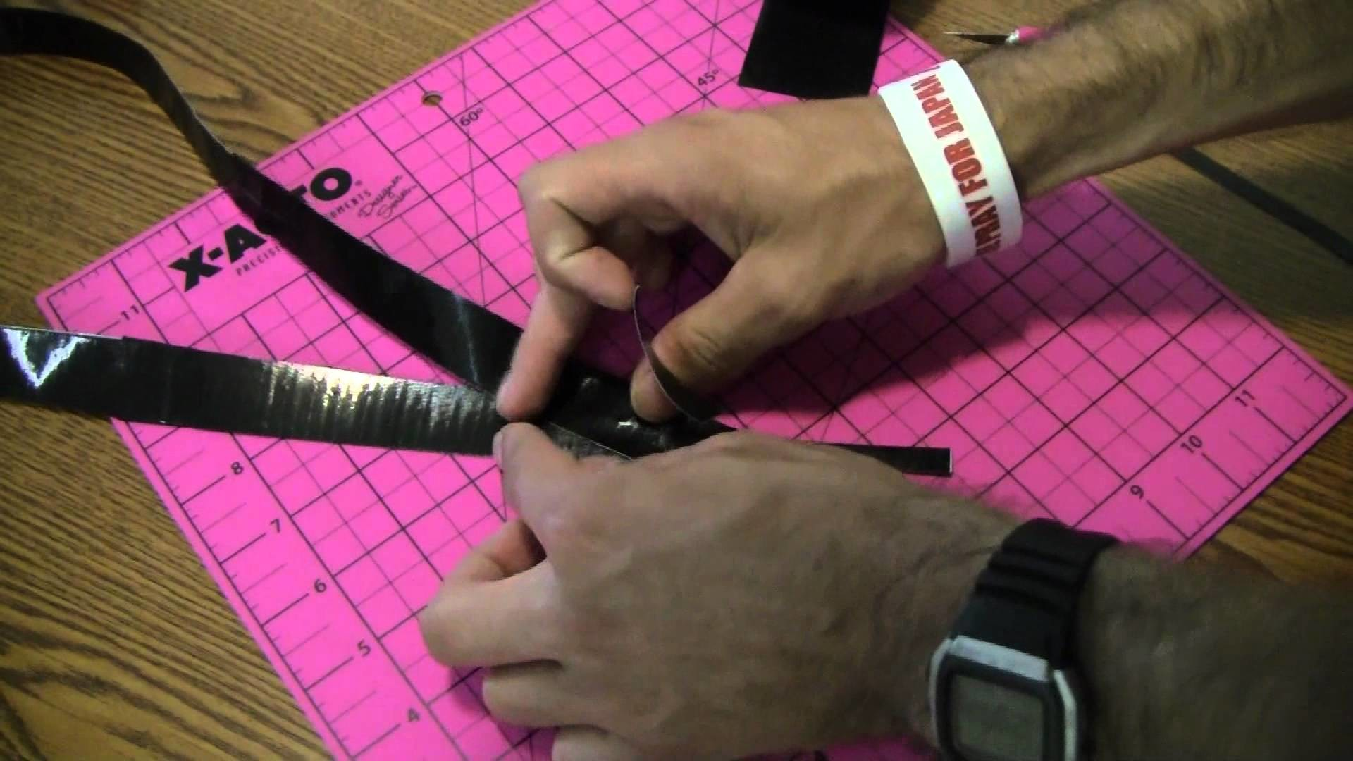 How to make a Duct tape lanyard!