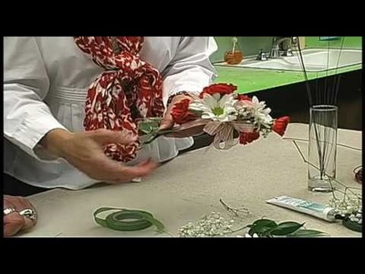 Russ on Flowers Show #25- How to Make a Corsage