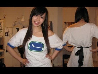 Tie up an Oversized T-Shirt with a Bow - Salinabear x Canucks