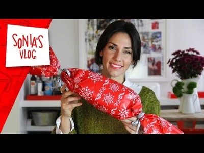 Travel Tips: How to Travel with Christmas Gifts: Hassle-Free Holiday