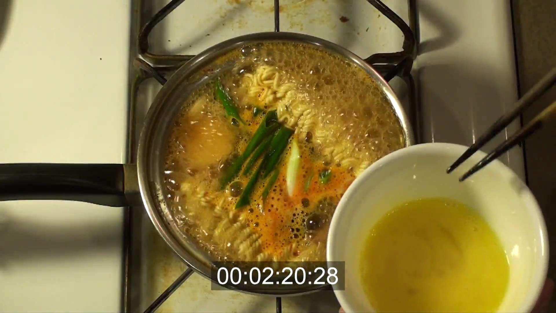 How to cook Korean Ramyeon (Ramen) in HD