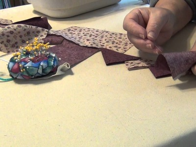 HOW TO MAKE CONTINUOUS PRAIRIE POINTS USING 2 FABRICS