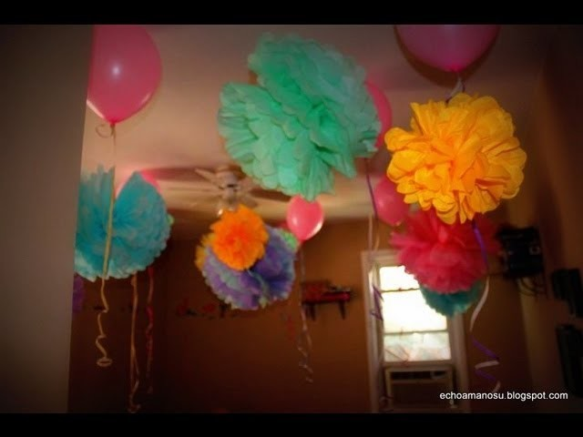 How to make tissue paper pom poms . Como hacer pompones de papel
