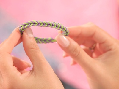 Make a Rainbow Loom Fishtail Bracelet | Bracelet Patterns