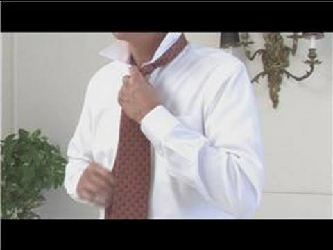 Men's Fashion Tips : How to Put on a Necktie
