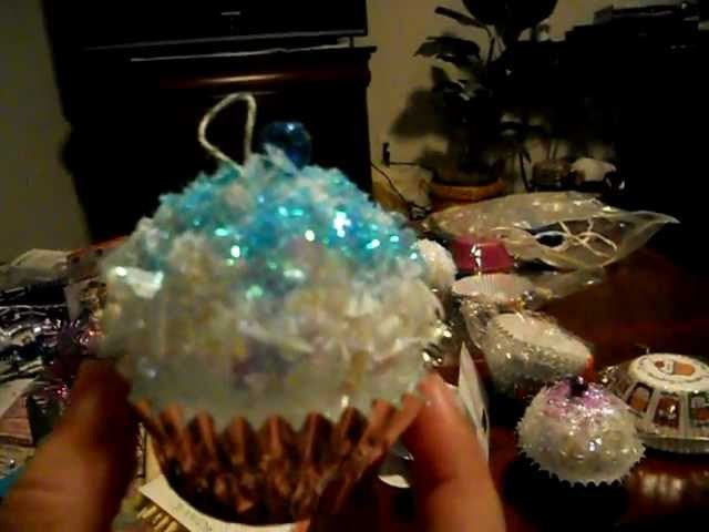 Cupcake Ornaments ! How to make cupcake Christmas Ornaments - glittery and pretty! Easy to do.