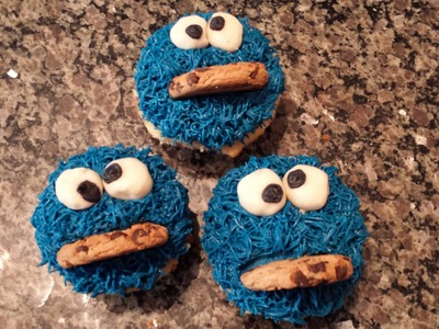 Easy Cookie Monster Cupcakes: How to Decorate