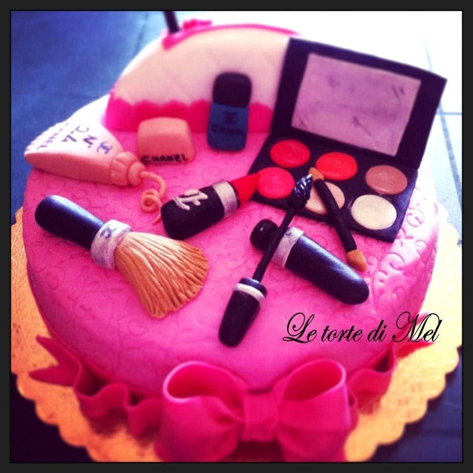 HOW TO MAKE A MAKE UP CAKE!