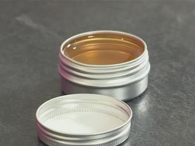 Solid perfume: how to make it