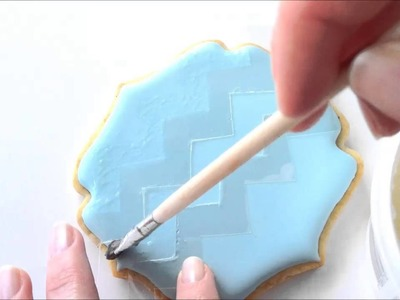 How To Make A Chevron Pattern Cookie Using Royal Icing And Nonpareils