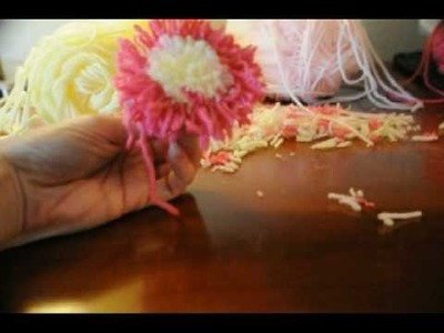 How To make EaSiEsT Pom Pom  Pompom Flower