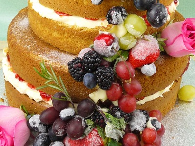 How To Make A Naked Cake With Summer Fruits