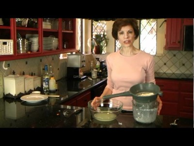 How to Make Healthy Homemade Greek Yogurt - FAT FREE - www.SaladinaJar.com
