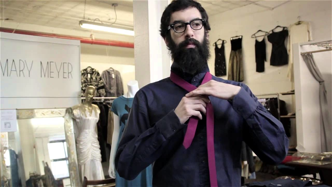 How to Tie a Church Tie : Scarves, Bow Ties & More