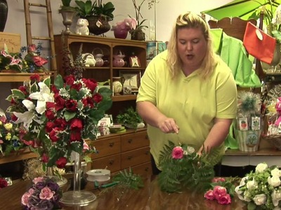 Floral Arrangements : How to Make a Teardrop Bouquet