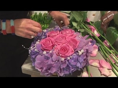 How To Arrange Wedding Flowers