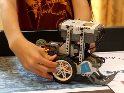 How To Make Your FLL Robot Go Straight