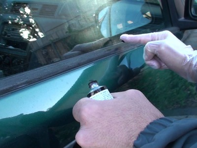 Honda crv window molding ,how to restore it