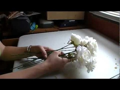 How To Make a Hand-Tied Rose Bouquet - Part 1