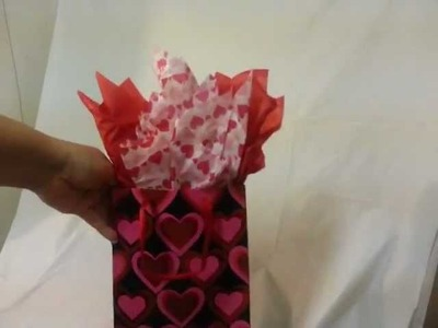 How to Put Tissue in a Gift Bag