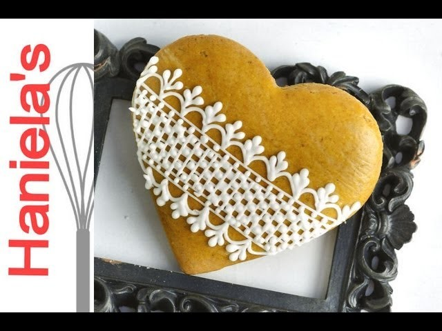 How To Decorate Cookies with Royal Icing Lace Pattern