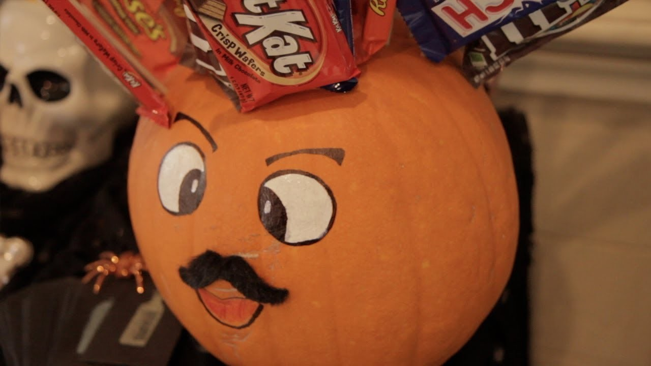 How to Make a Candy Head Pumpkin Decoration - Halloween with ModernMom