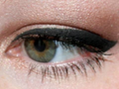 Detailed Tutorial - Cat Eyeliner